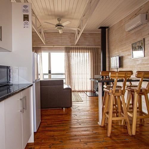 big-sky-cottages-kitchen-entrance