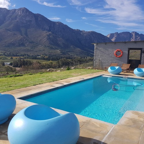 big-sky-cottages-swimming-pool